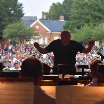 Music Director Jeffrey Silberschlag conducting a past River Concert